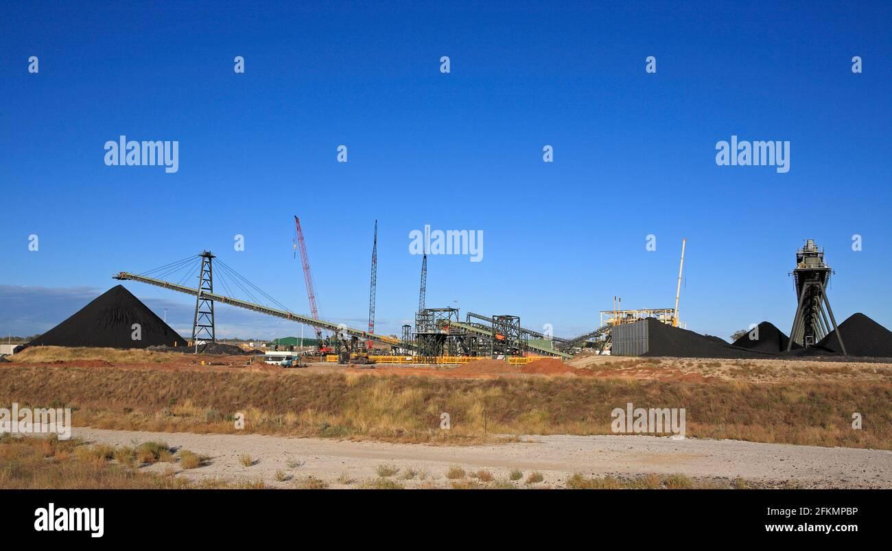 whitehaven-coal-mine-an-underground-coal-mine-at-baan-baa-near-narrabri-western-nsw-australia-2FKMPBP.jpg