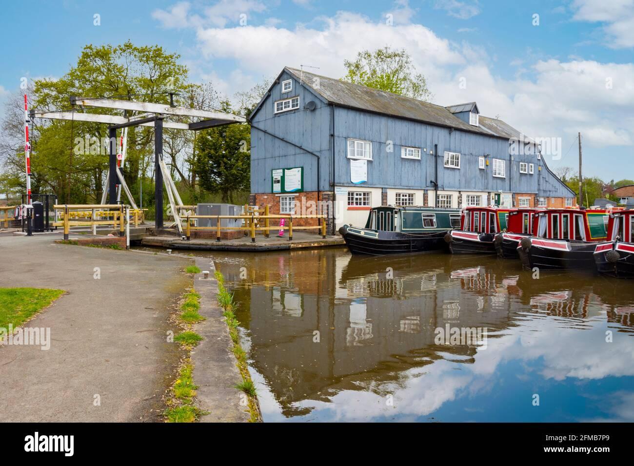 wrenbury-lifting-bridge-bridge-number-20