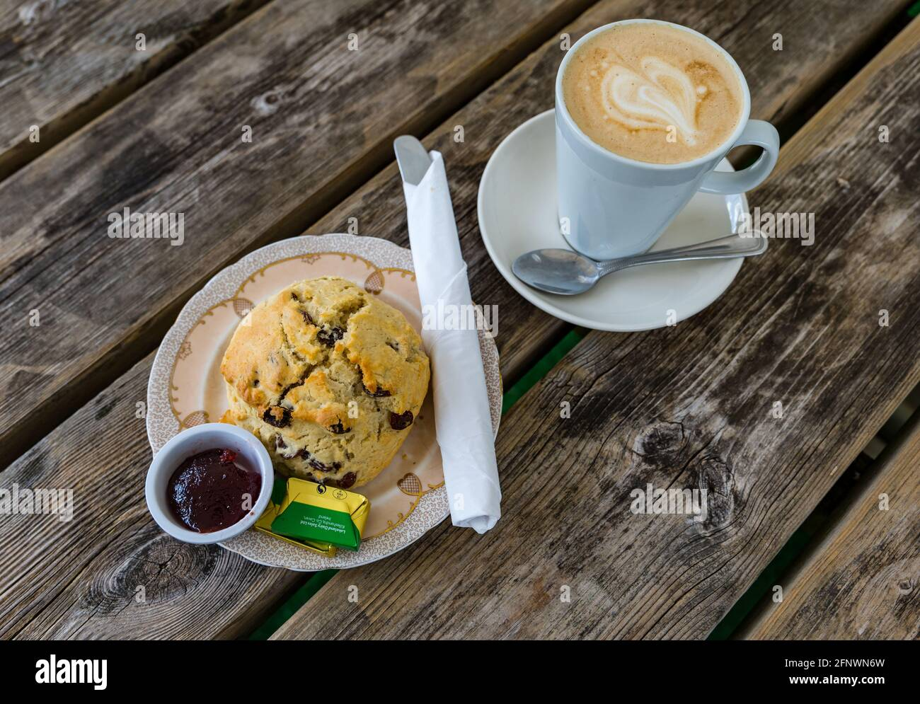 homemade-fruit-scone-with-jam-and-butter
