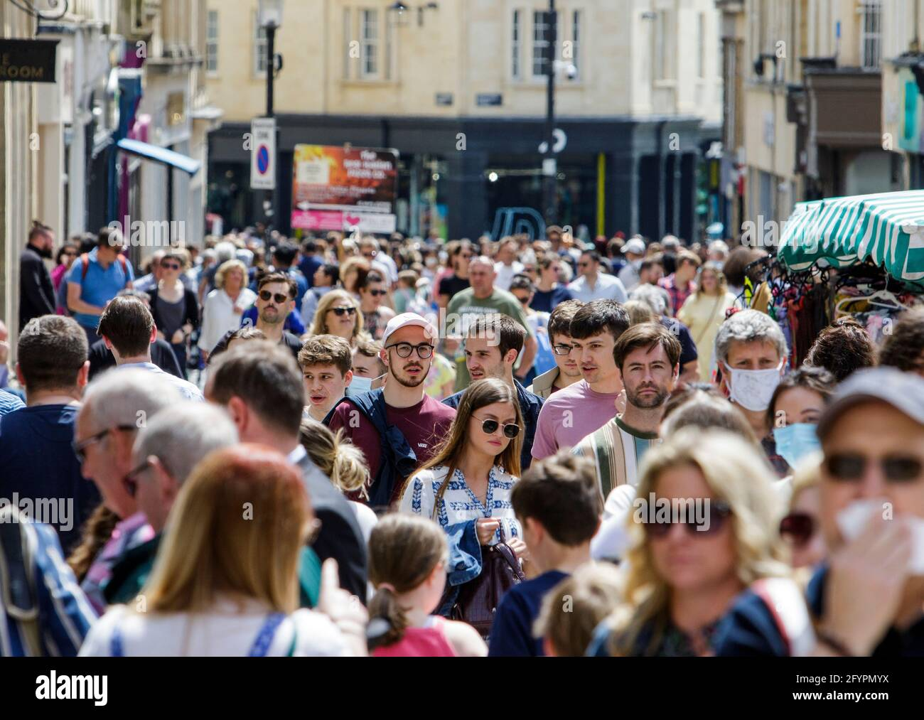 Bath, Somerset, UK. 29th May, 2021. Crowds of shoppers are pictured on the streets of Bath as people make the most of the bank holiday weekend sunshine. Credit: Lynchpics/Alamy Live News Stock Photo