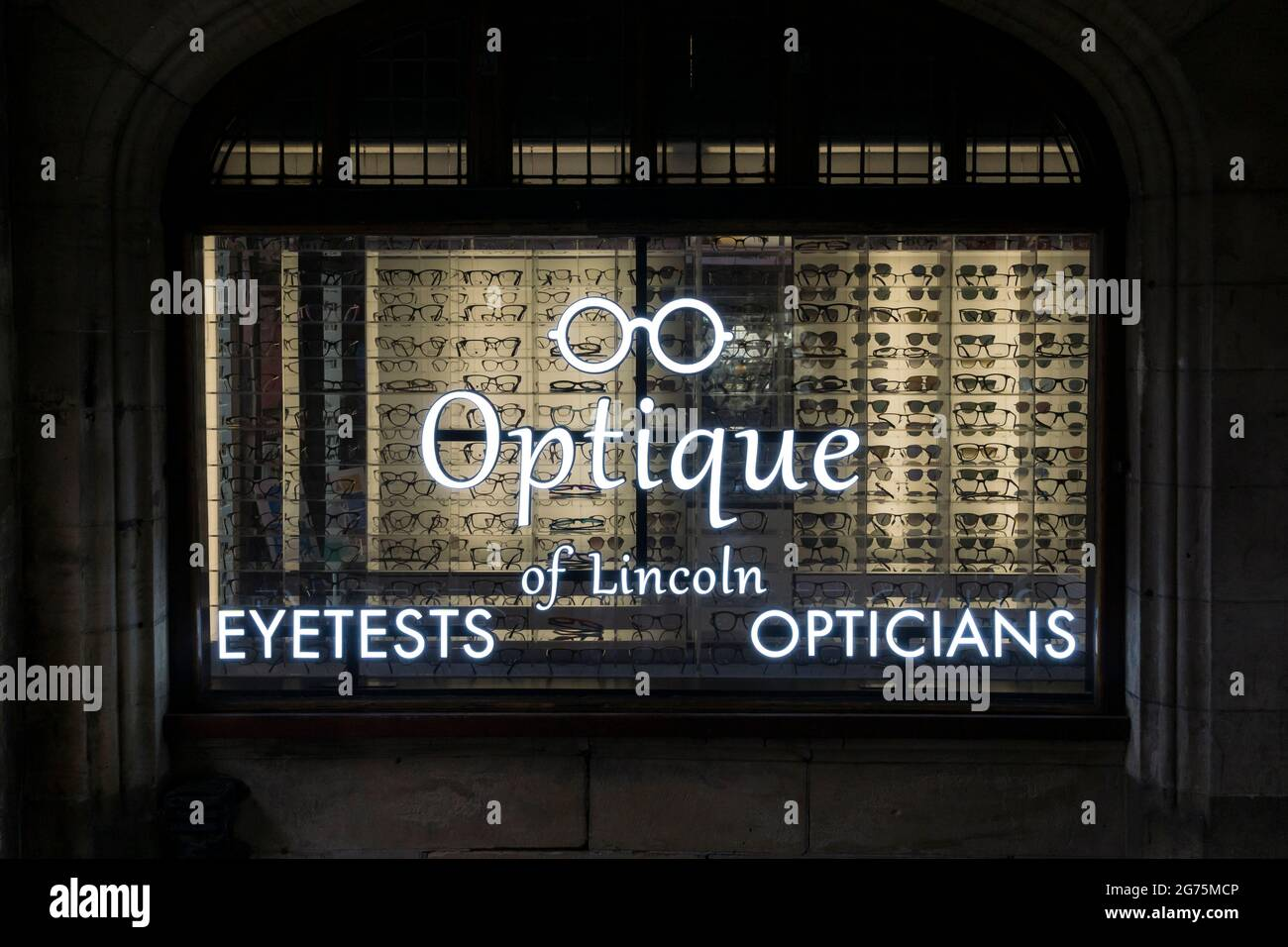 opticians-window-in-the-stonebow-lincoln-city-2G75MCP.jpg