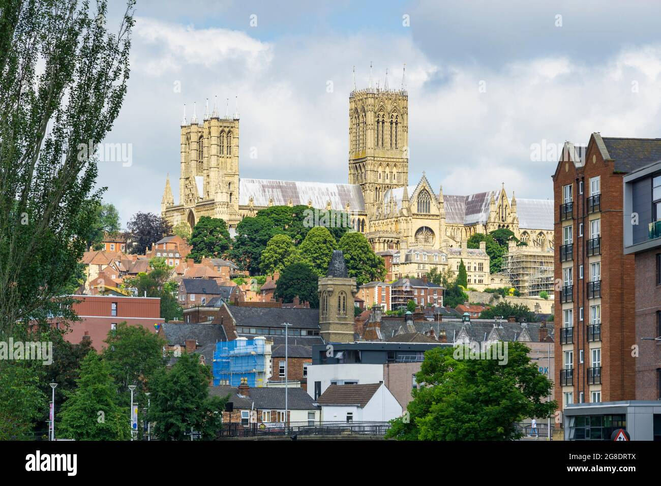 lincoln-cathedral-from-brayford-south-side-2G8DRTX.jpg