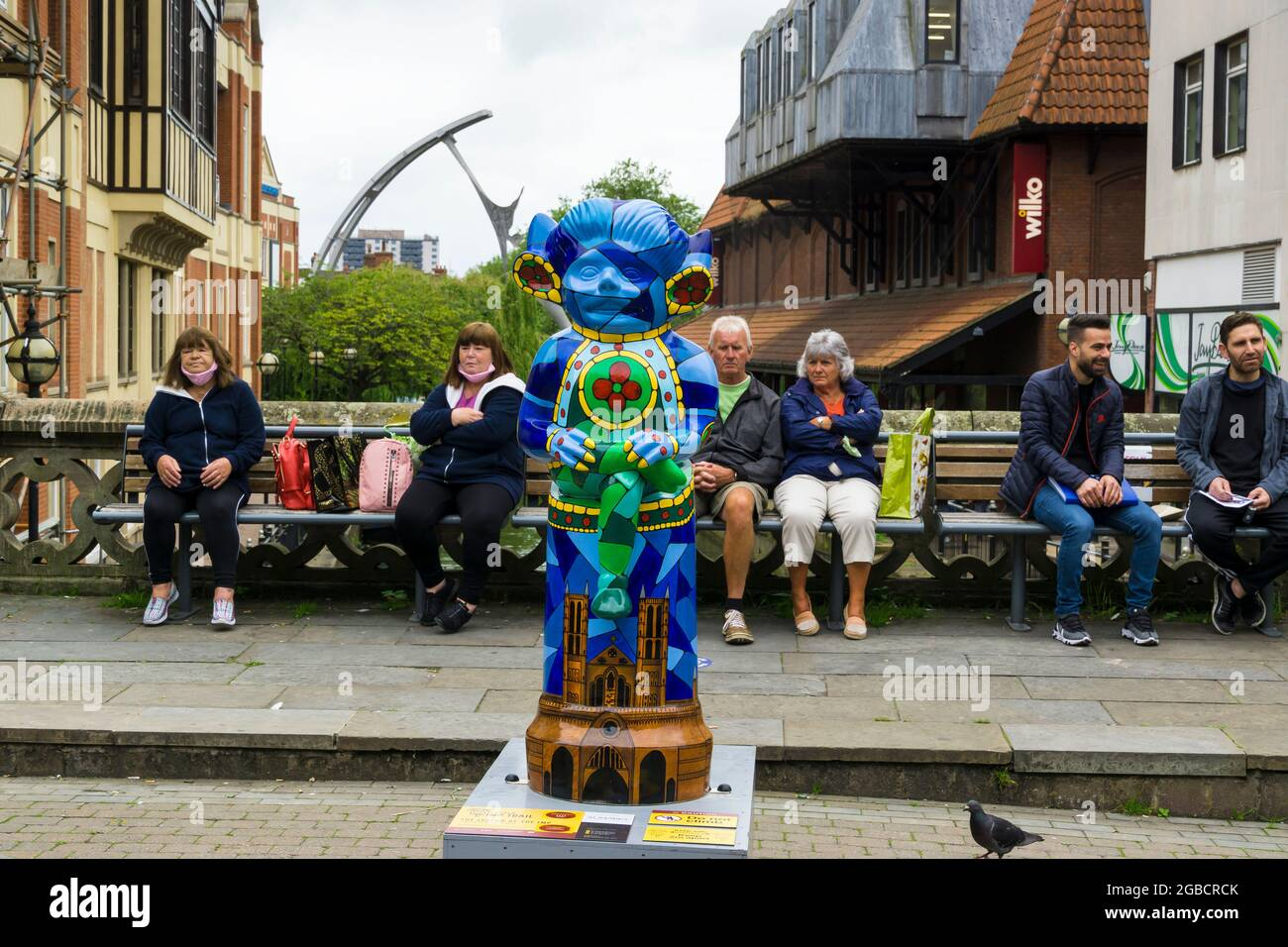 decorated-lincoln-imp-statue-the-legend-of-the-imp-on-high-bridge-high-street-lincoln-imp-trail-2021-2GBCRCK.jpg