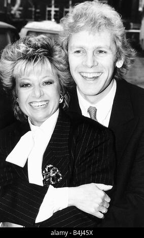Paul Nicholas Actor with singer Elaine Paige January 1987 Dbase Msi - Stock Image