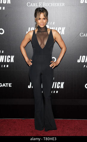 New York, NY, USA. 09th May, 2019. Halle Berry attends the 'John Wick: Chapter 3' world premiere at One Hanson Place on May 9, 2019 in New York City. Credit: John Palmer/Media Punch/Alamy Live News - Stock Image