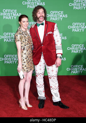 Westwood, California, USA. 7th Dec, 2016. T.J. Miller and Kate Gorney arrives for the premiere of the film 'Office - Stock Image