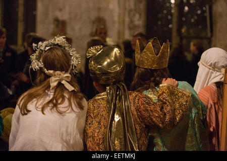 Rear view of performers from a school nativity - Stock Image