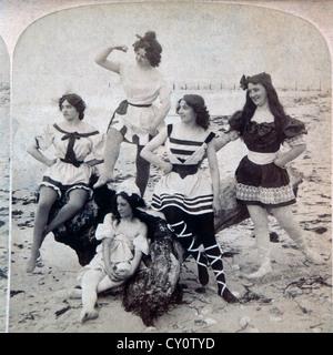 Five Women at Beach USA, Stereo Albumen Photograph, Circa 1897 - Stock Image