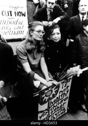 Vanessa Redgrave and Madame Linh Qui, from Hanoi at a protest rally in Trafalgar Square, London, England, 5/9/70 - Stock Image