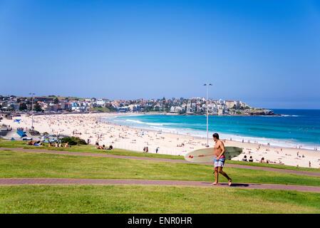 Unidentified people at Bondi Beach, Australia. - Stock Image
