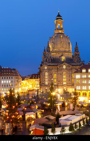 Overview of the New Market Christmas Market beneath the Frauenkirche, Dresden, Saxony, Germany, Europe - Stock Image