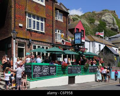 Le Dolphin Pub, la vieille ville de Hastings, East Sussex, Angleterre, Royaume-Uni, Go - Image