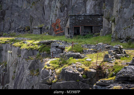 Old Mine Working Machinery and Access Ladders, Dinorwic Slate Quarry, Snowdonia National Park, North Wales, UK - Stock Image