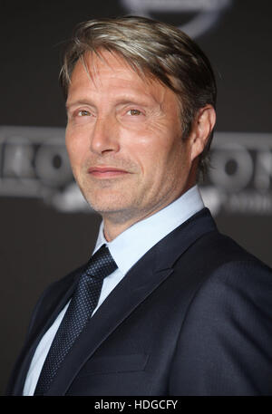 Hollywood, CA, USA. 10th Dec, 2016. 10 December 2016 - Hollywood, California - Mads Mikkelsen. ''Rogue One: - Stock Image
