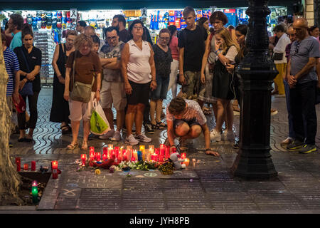 Barcelona, Spain. 19th Aug, 2017. On 19 August 2017 the city of Barcelona suffered the ISIS terrorist attack, with a total of 13 dead and hundreds injured. The city was an example of generosity with the victims and of brotherhood with the Muslim people. Barcelona shouts to the whole world: We are not afraid! Credit: Miguel Galmés/Alamy Live News - Stock Image