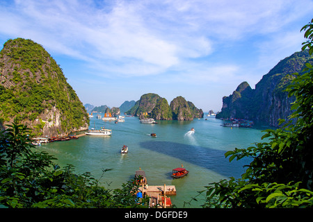 A view of Ha Long Bay in Vietnam - Stock Image