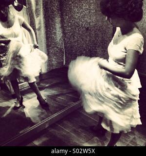 wedding dress movement - Stock Image