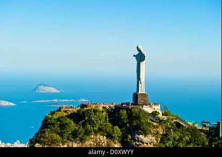 Christ the Redeemer statue overlooking Rio de Janeiro, Brazil - Stock Image