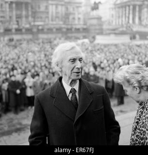 Veteran Philosopher Bertrand Russell braved today's Arctic weather to address a meeting to several thousand - Stock Image