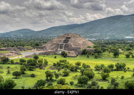 The ancient Pyramid of the Moon. The second largest pyramid in Teotihuacan, Mexico. - Stock Image