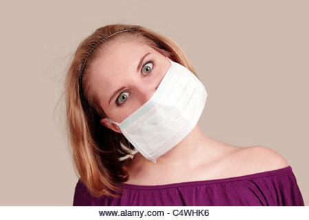 Fille anti-pollution avec masque facial - Image