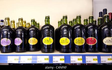 Bouteilles de bière de brasserie St Peters à vendre, Suffolk, Royaume-Uni - Image