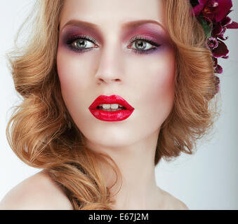 Visage. Gorgeous woman with Professional Evening Make Up - Stock Image