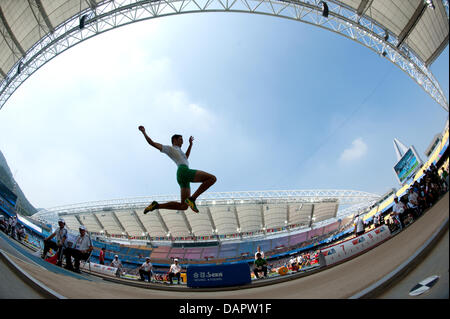 Fabrice Lapierre from Australia competes in the men's Long Jump qualification at the 13th IAAF World Championships - Stock Image