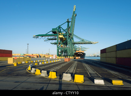 Shipping containers in shipyard - Stock Image
