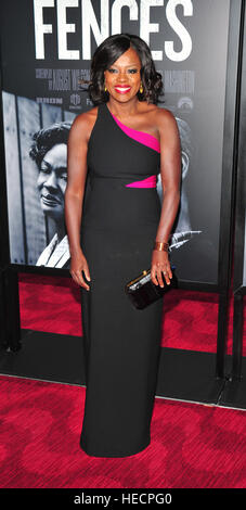 New York, USA. 19th Dec, 2016. Viola Davis attends the 'Fences' New York screening at Rose Theater, Jazz - Stock Image