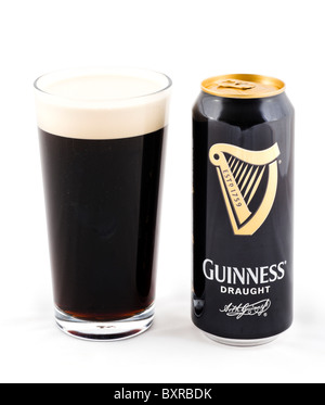 Peut et verre de projet de Guinness, Royaume-Uni - Image