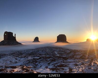 Sunrise Monument Valley Utah - Stock Image
