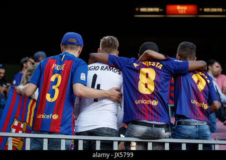 Camp Nou Stadium, Barcelona, Spain. 13th of August, 2017. Super Cup of Spain between FC Barcelona and Real Madrid. Fans just before the match. Credit: David Ramírez/Alamy Live News - Stock Image