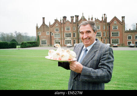Turkey Farmer Bernard Matthews, founder of Bernard Matthews Farms Limited, 20th April 1989. Pictured at residence, - Stock Image
