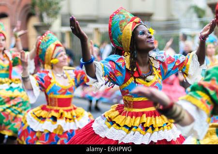 Notting Hill Carnival 2014, Children's day on Sunday. Members of group dance Maracatudo Mafua - Stock Image