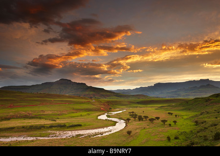 dusk sky over the Tugela Valley with the Drakensberg Mountains beyond, KwaZulu Natal, South Africa - Stock Image