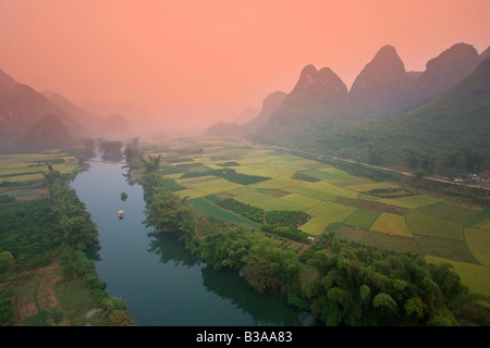 Karst Mountain Landscape & Li River from hot air balloon, Yangshuo, Guilin, Guangxi Province, China - Stock Image