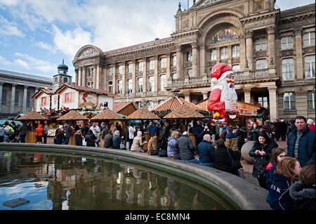 birmingham christmas german market 8th december 2014 one of the largest outside germany people shopping eating and - Stock Image
