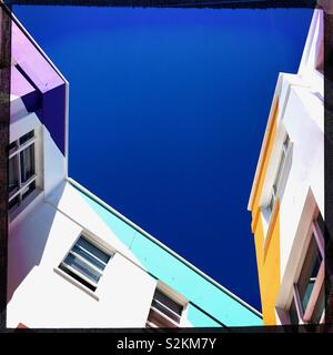 Brighton blue sky and colourful buildings - Stock Image