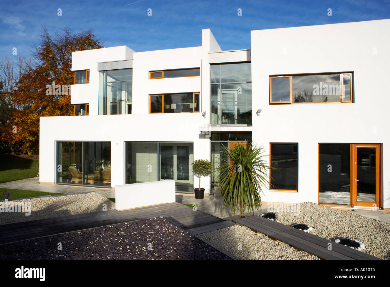 Modern Art Deco Style House With White Gravel Garden And Large Patio