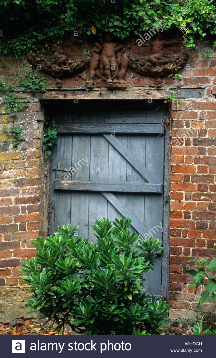 Attirant Hadspen House Somerset Rustic Garden Door Into Walled Garden Terra Cotta  Sculpture