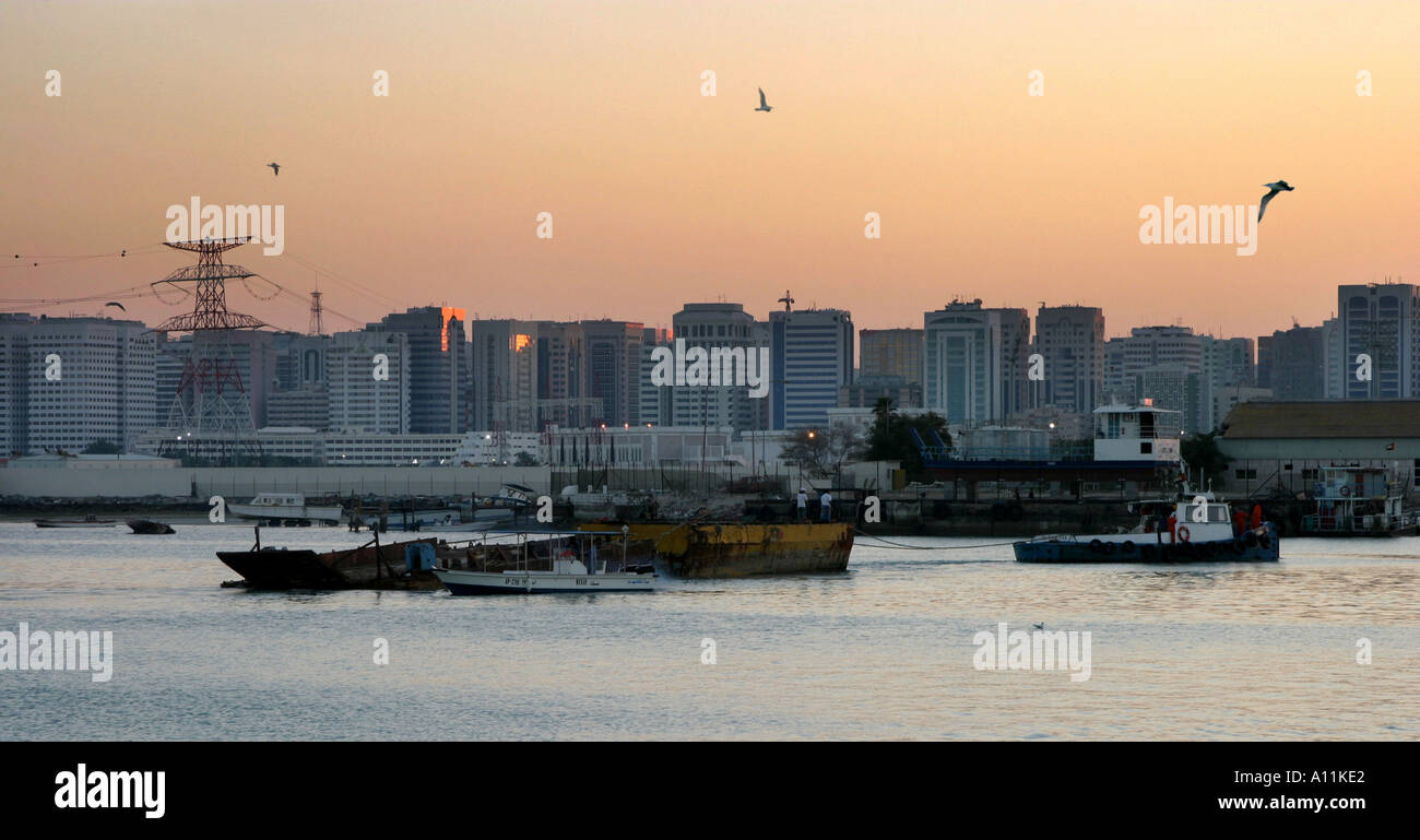 evening-light-abu-dhabi-port-uae-A11KE2.jpg