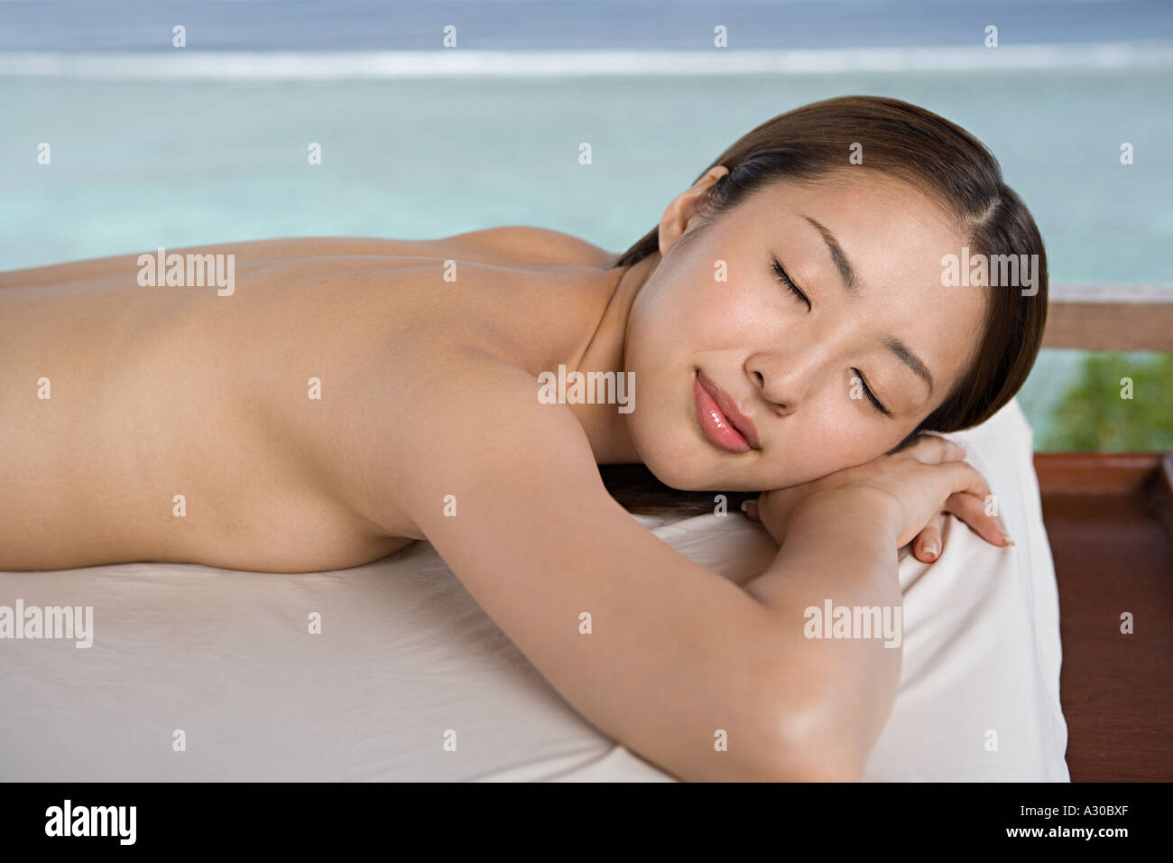 woman-undressed-swimming-extremely-long-labia