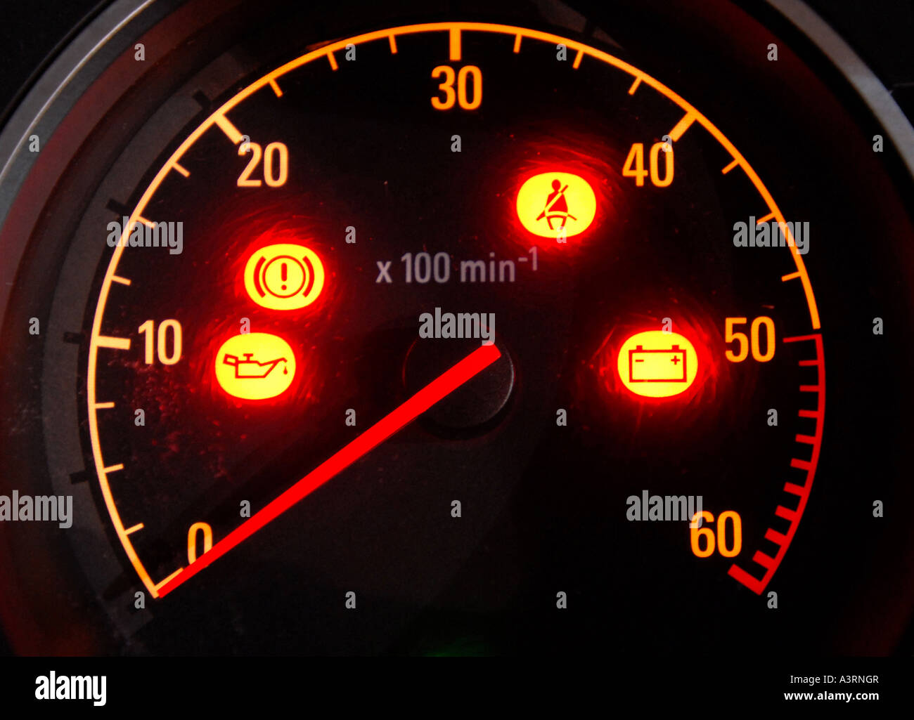 CAR WARNING LIGHTS IN ILLUMINATED DASHBOARD DIAL RE MOTORING SERVICING  COSTS REPAIRS ENGINE MAINTENANCE MECHANICS BREAKDOWNS.UK
