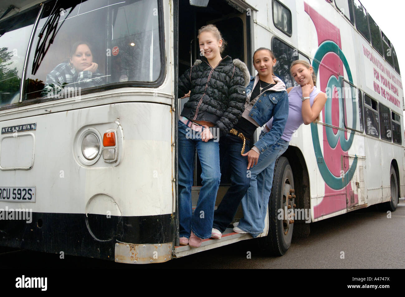 Pictures of girls on bus, family young nudism