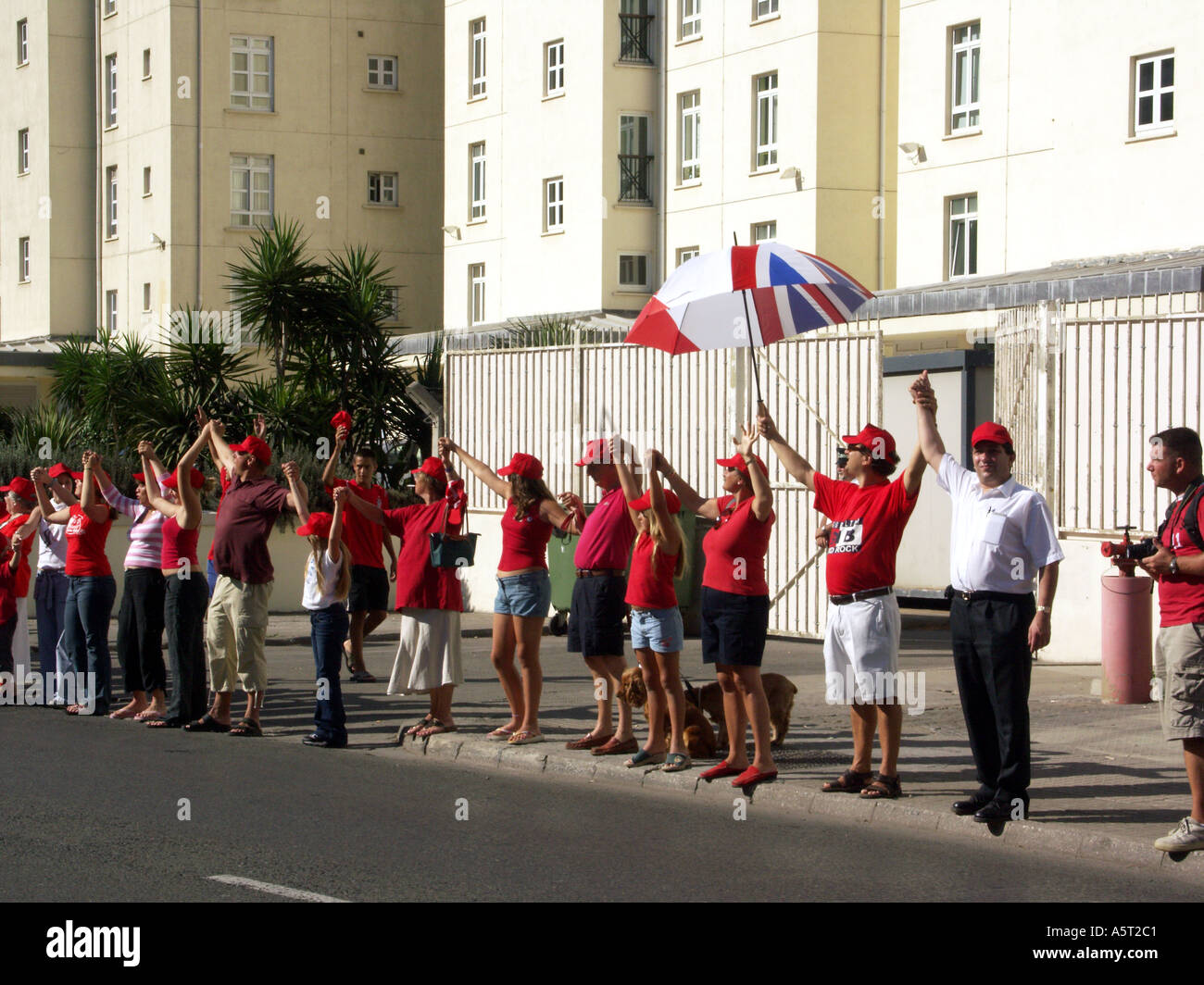 Over 16000 people linking hand around the Rock of Gibraltar in support of their birthright, Gibraltar Tercentenary - Stock Image