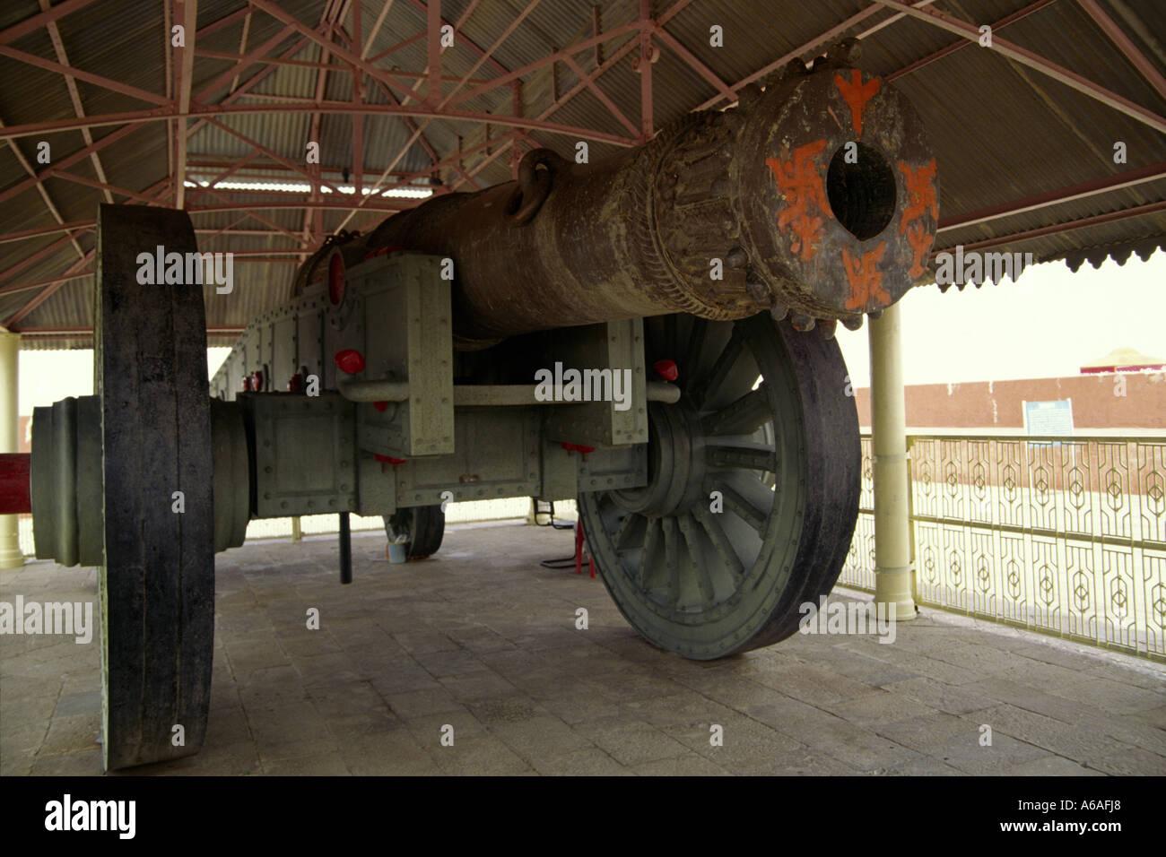 View of Jai Van, the world's largest cannon on wheels, Jaigarh near Jaipur Rajasthan India - Stock Image
