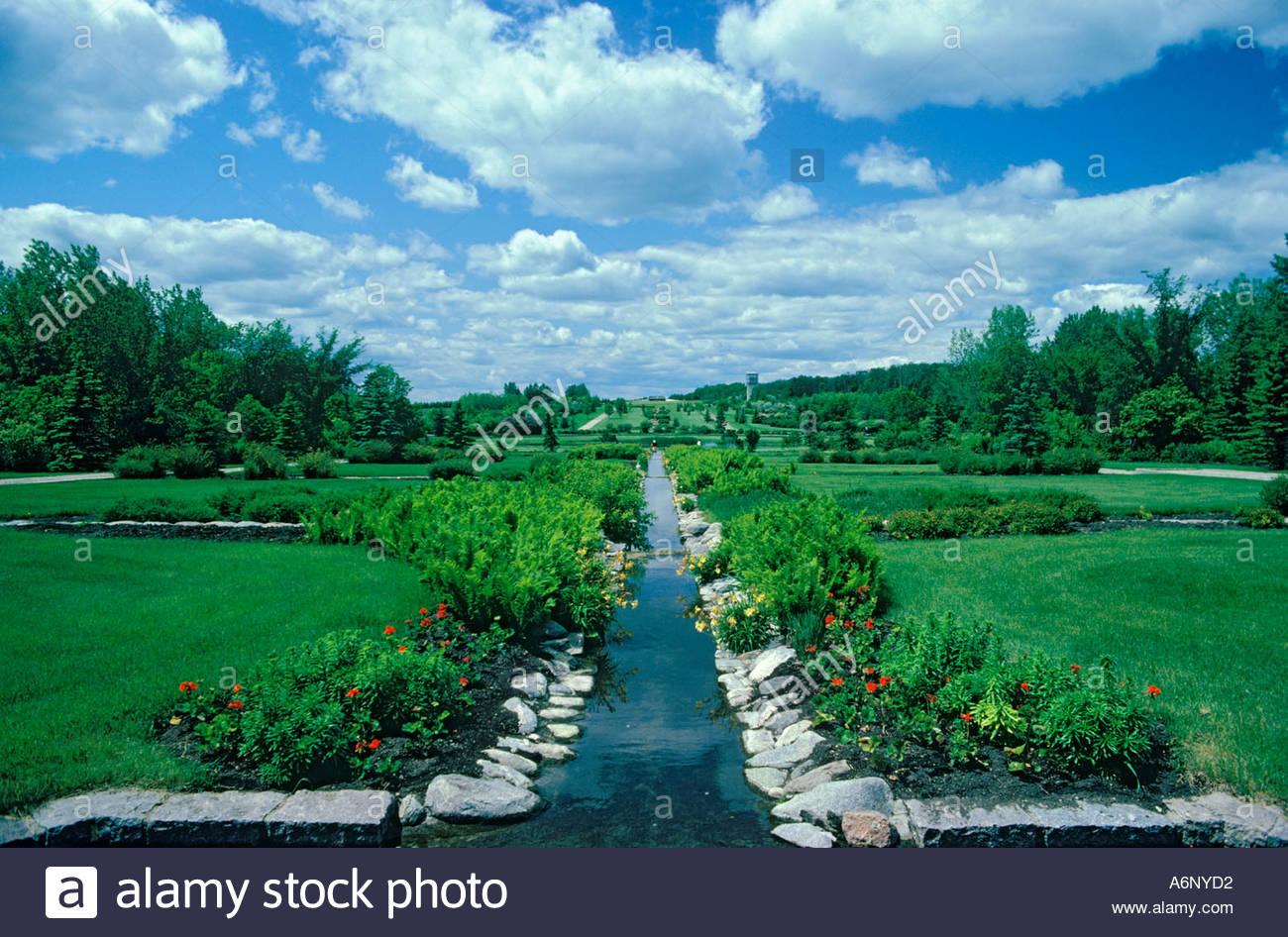 border-at-international-peace-gardens-ma