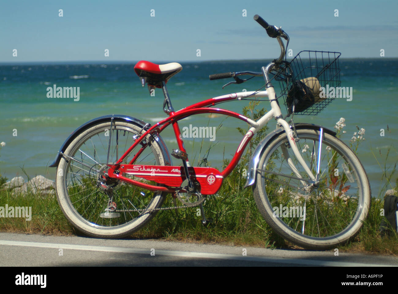 usa-michigan-mackinac-island-lake-huron-schwinn-bicycle-A6PF1P.jpg