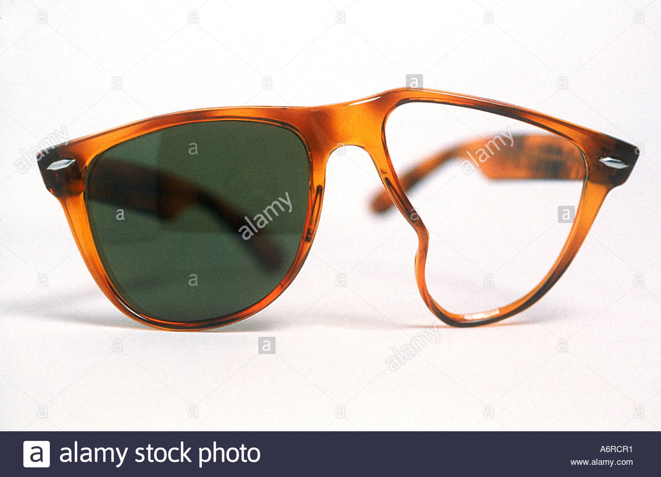 Broken Glasses Stock Photos & Broken Glasses Stock Images ...